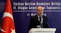 Başbakan Yardımcısı Mehmet Şimşek, Türkiye Katılım Bankaları Birliği 15. Olağan Genel Kurulu'nun Çırağan Sarayı'nda gerçekleştirilen açılışına katılarak konuşma yaptı. ( Berk Özkan - Anadolu Ajansı )