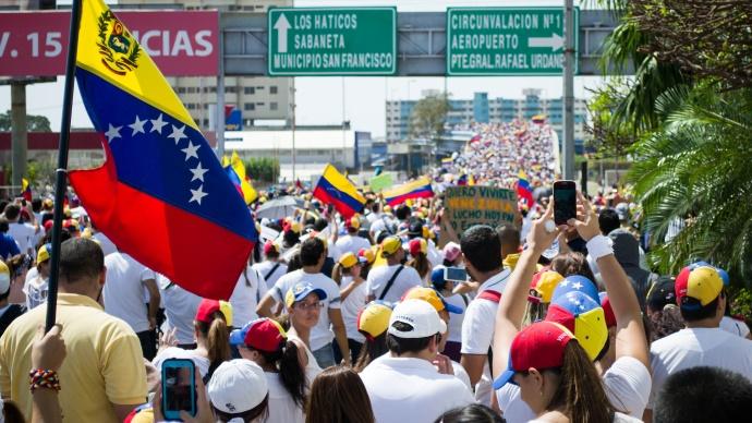Petrol ülkesi Venezuela böyle çöktü
