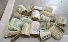 Dolar, serbest piyasada 3,77'den güne başladı