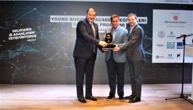 Genç MÜSİAD'dan genç ödül