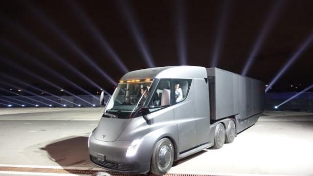 Tesla Semi'ye sipariş yağıyor
