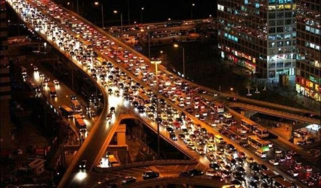 Araç sayısı 10 ayda 1 milyon arttı