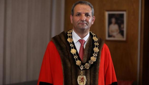 35 yıl önce Kahraman Maraş'tan İngiltere'ye gitti, Belediye Başkanı oldu
