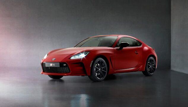 Toyota yeni GR 86'yı tanıttı