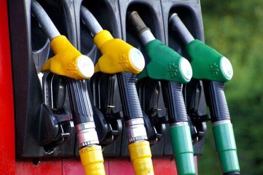 Britanya'da yakıt tedarik sıkıntısına karşı askerler devreye girdi